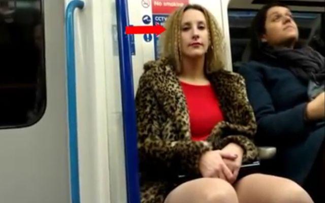 Реакция женщин на член в штанах