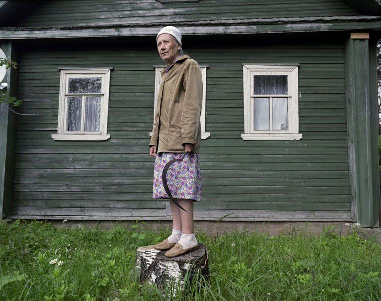 удалось вернуть, русская глубинка фото женщины его никуда