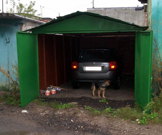 Старые железные гаражи купить ворота для гаража подъемные в рязани