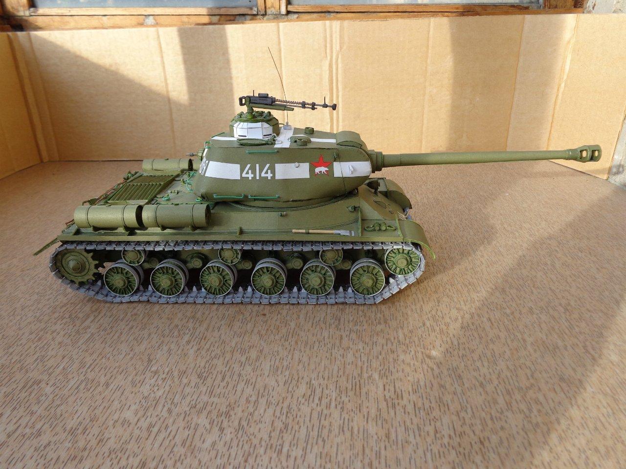 фото танка из бумаги виде серьги
