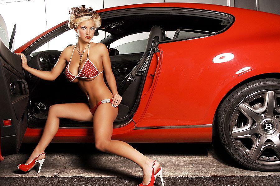 Девушки и авто фото на фоне техники