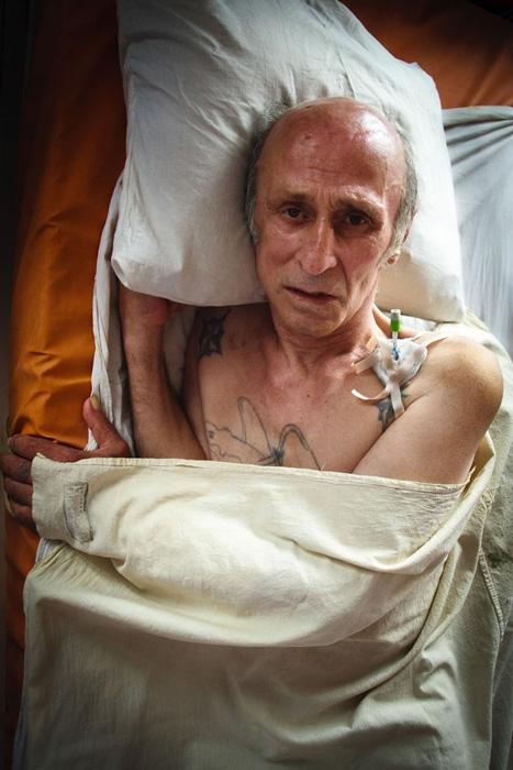 Картинки людей болеющими спидом