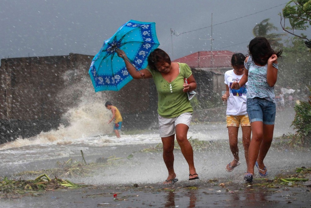 powerful typhoon hits the philippines A powerful typhoon has struck the philippines, triggering floods and cutting power in the capital, manila and throughout the main island, luzon at least 16 people have been killed, including.