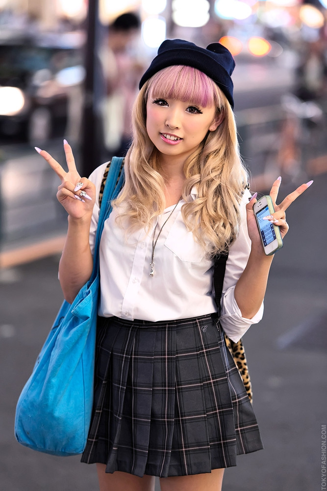 blonde-japanese-girls