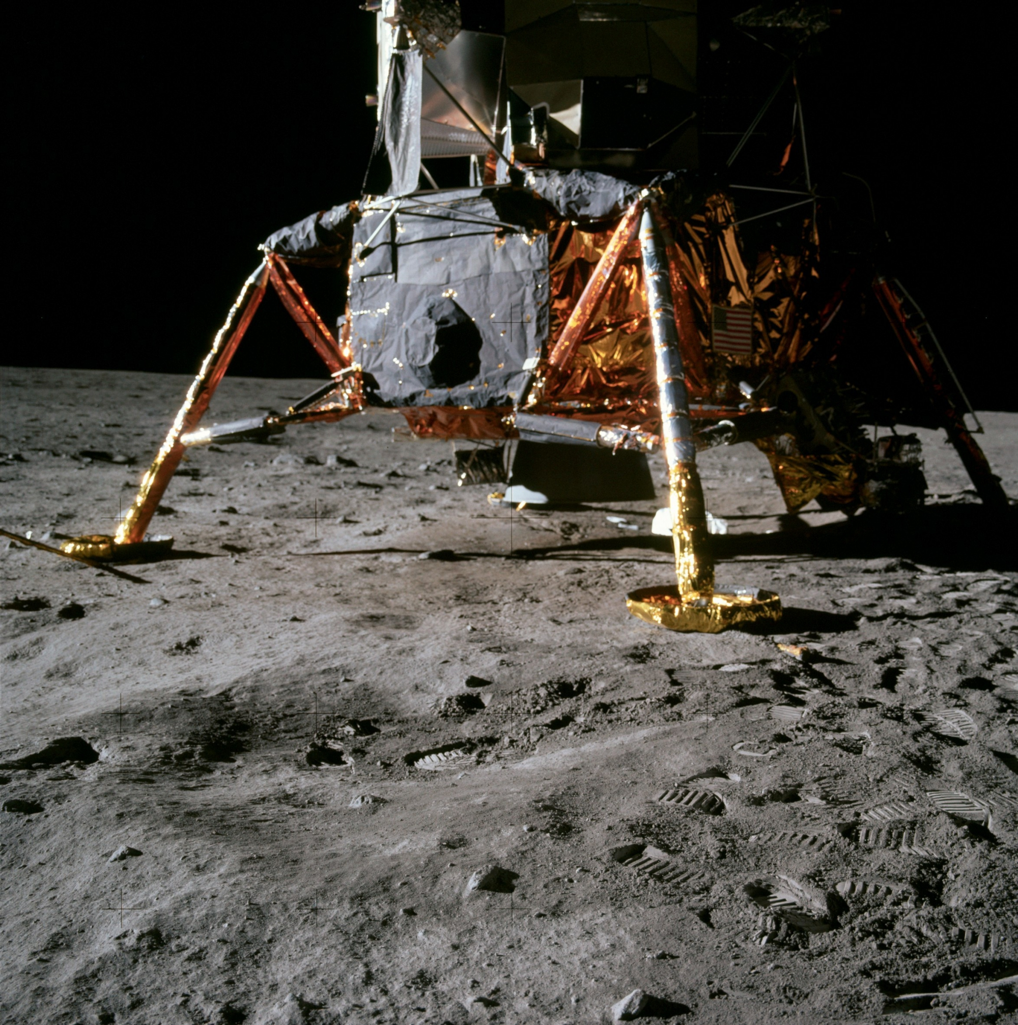 apollo 11 pictures - 904×911