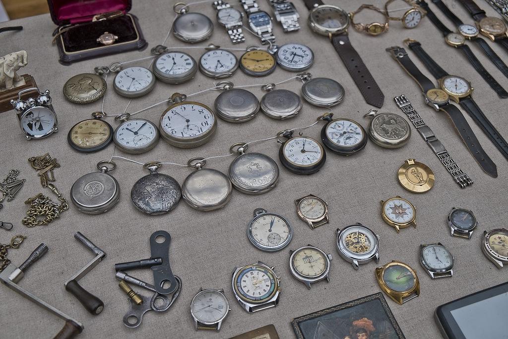 Которых старинные на сайты часы продать можно 92 невский ломбард часов