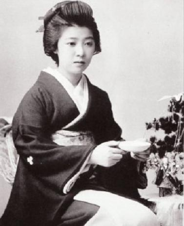 ивасаки минеко старые фотографии неадекватнее