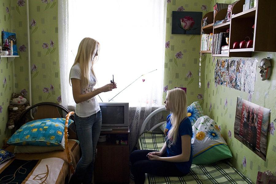 Женская раздевалка в студенческом общежитии устроили