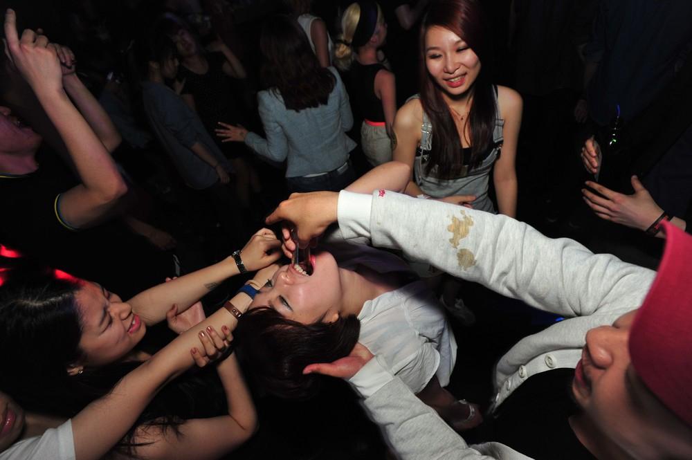 Корейское караоке москве проститутками в закрыли с
