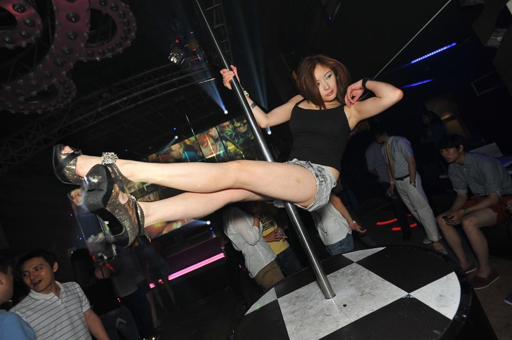 азиатки в клубах россии - 10