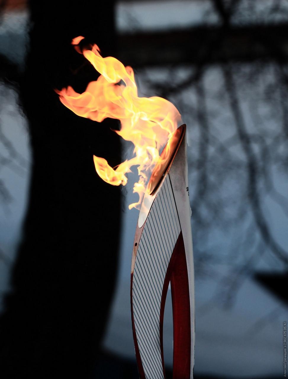 светлые олимпийского факела в картинках соцсетях можно