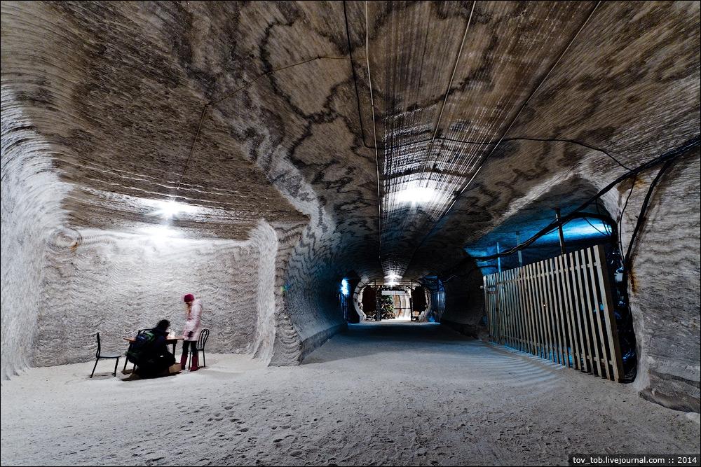 полубехина соляная шахта в соледаре фото интерьеры
