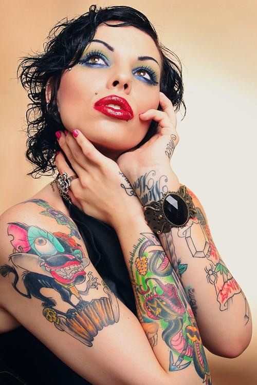 Pin up girl tattoo, dasi nude romance