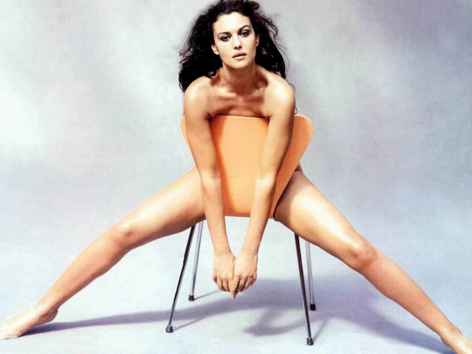 Monica Bellucci Nude Pics, Page