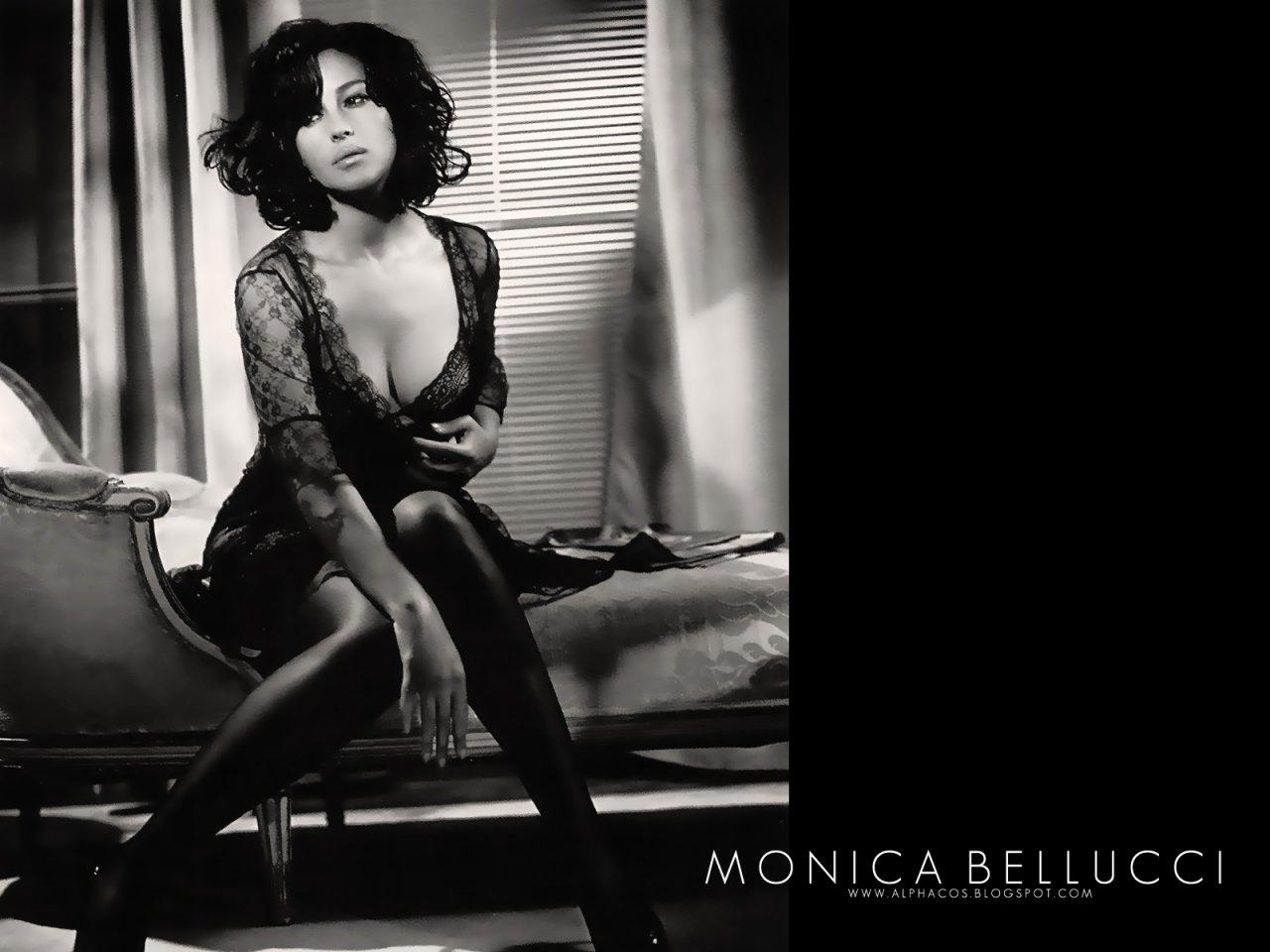 Секс В Автомобиле С Моникой Беллуччи – Сколько Ты Стоишь? (2005)