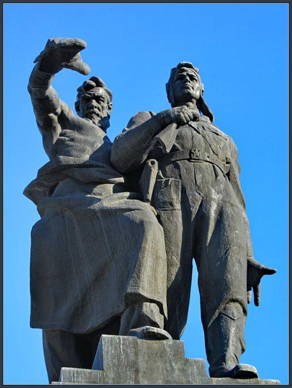 Памятники в москве самые известные вам эскизы оформления гранитных памятников