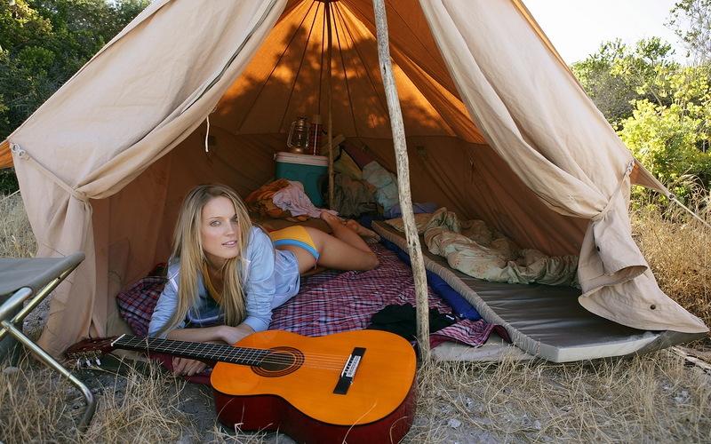 Секс в походе в палатке