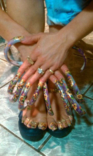Красивое галереи девушек с длинными ногтями толстые девушки видео