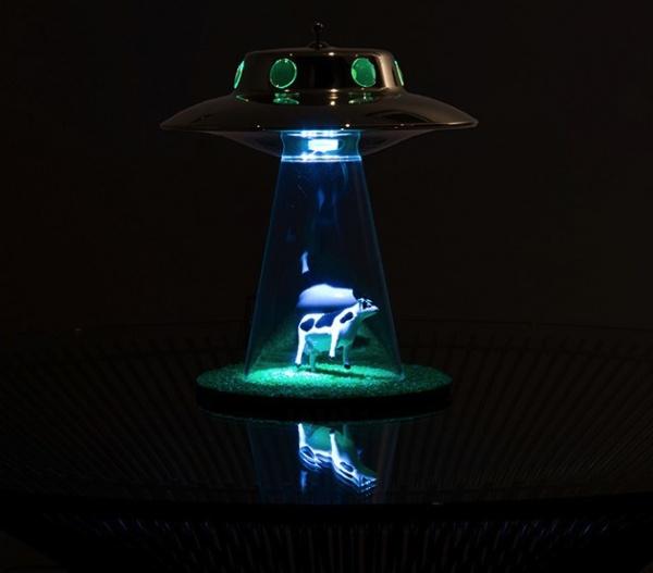 если фото отражение настольной лампы нло видом деятельности