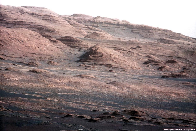 Картинки по запросу Обнаружены загадочные пирамиды на марсе
