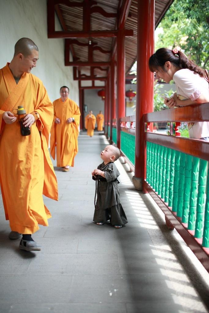 Смешные картинки монах