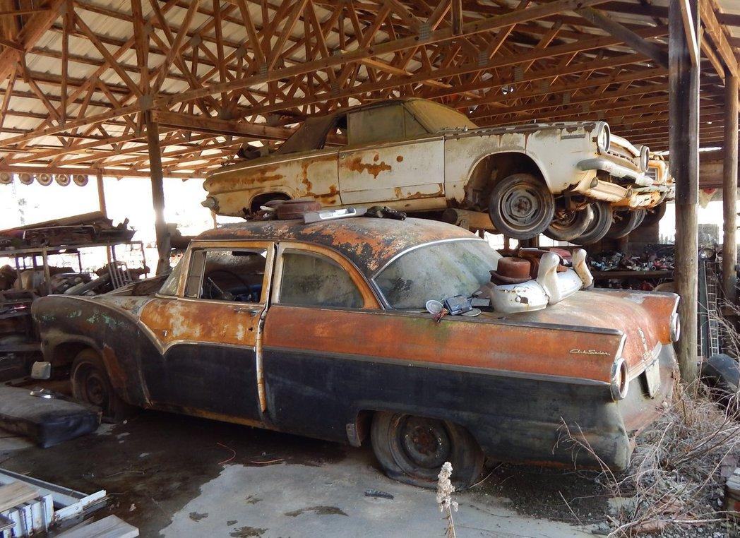 свалка автомобилей в украине фото