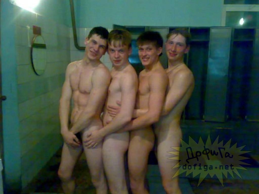 Биография фото голых мужчин в раздевалке порно