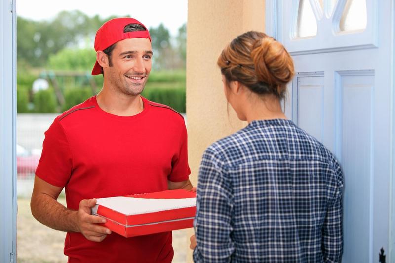 Переваги доставки піци додому