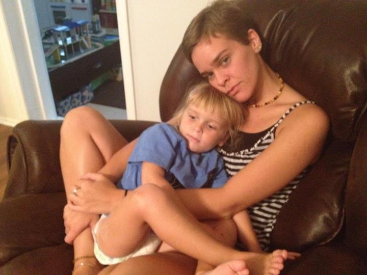 мать молодой сын и фото трахаються