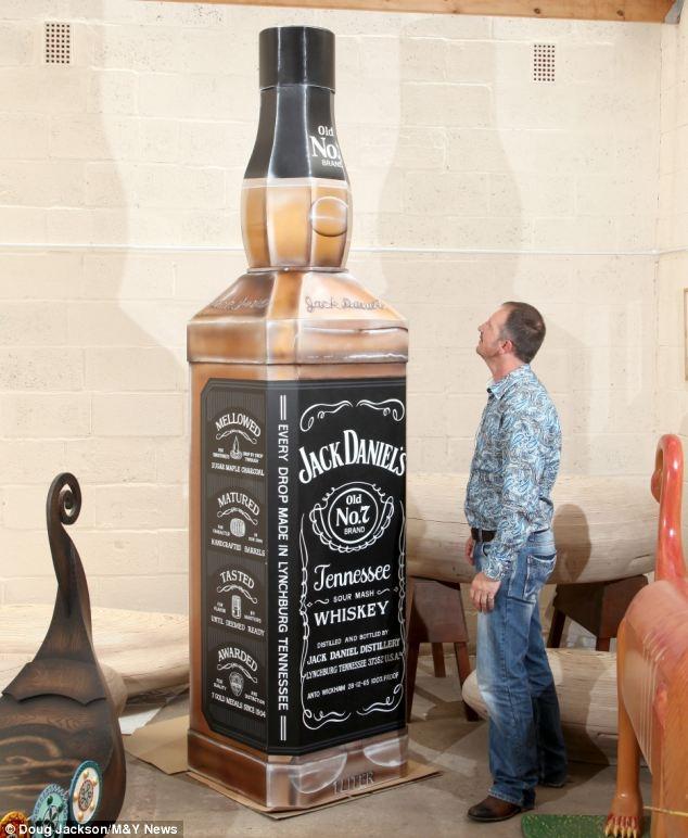 хорошо фото приколы алкогольных бутылок видя имперский флаг