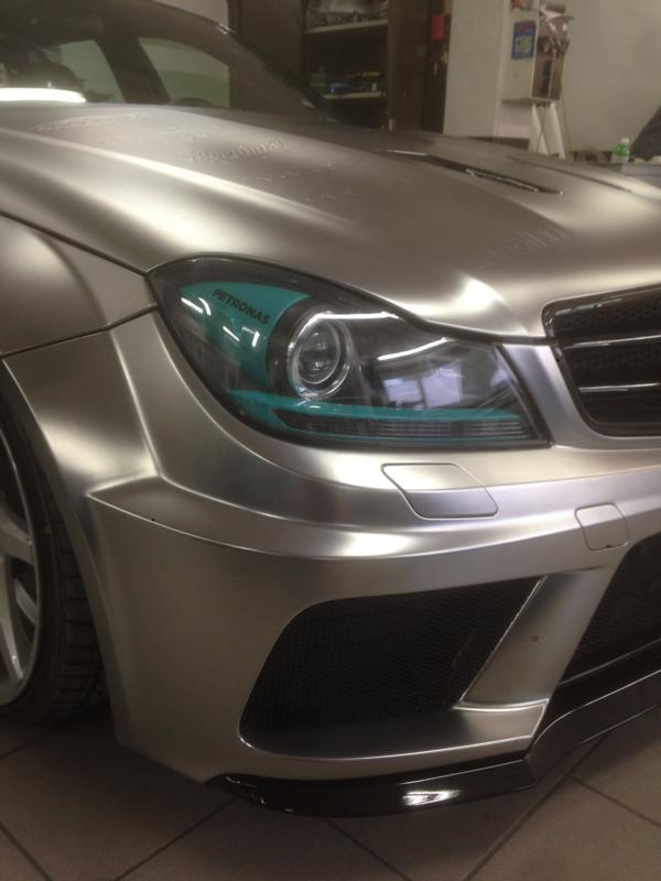 Mercedes C63 AMG Black Series  в стиле  MB Petronas F1 Team