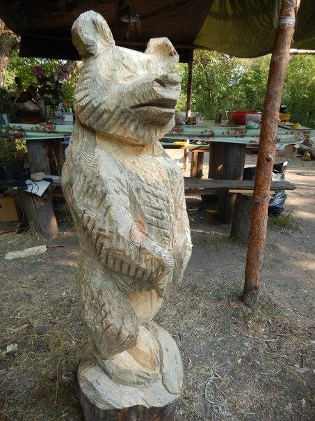 Хорошо идут дела, когда в руках бензопила бензопила, дерево, резьба, скульптура, фигура
