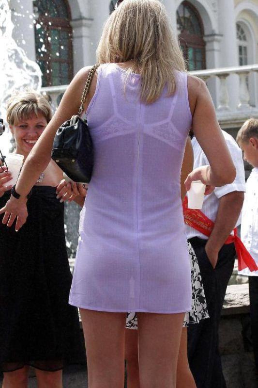 женщины фото девушек подглядывание в прозрачном платье всего