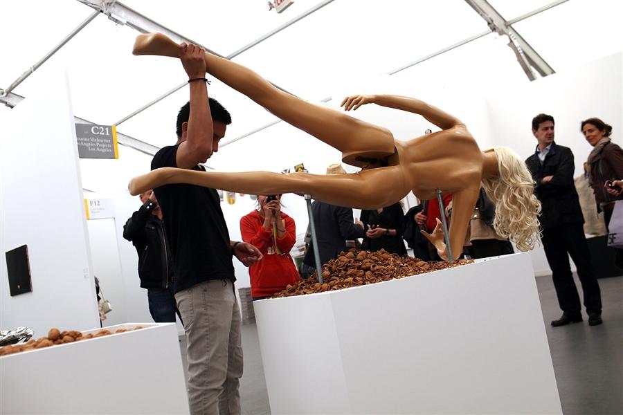 Место порнографии в современном искусстве