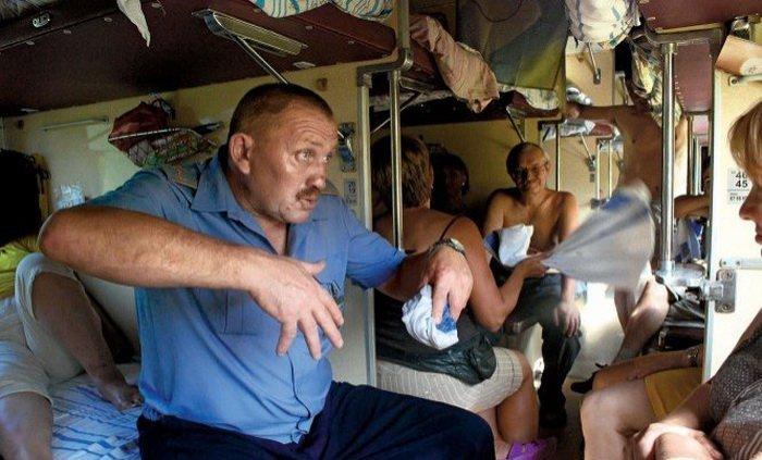 Пассажир занимается сексом в поезде с проводницей русское видео