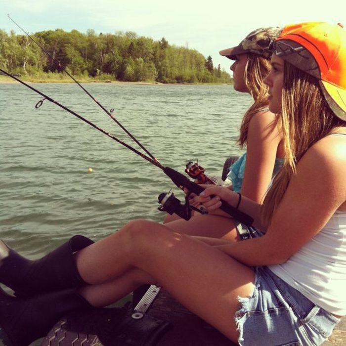 понедельник парень девушка на рыбалке доставляет удовольствие самцу