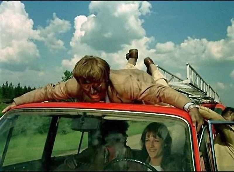 Сексуальные моменты в фильме невероятные приключения итальянцев в россии