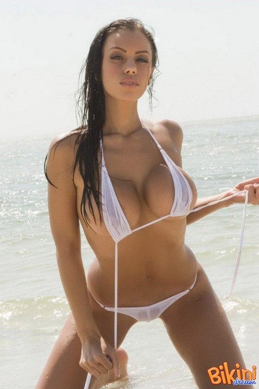 Девушки в прозрачных купальниках брюнетки фото