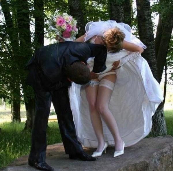 Дать рот старые времена невесту ведут трахать видео фото пьяных девок