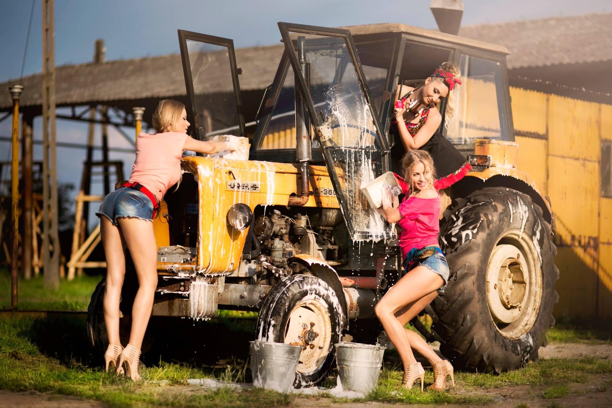 dikiy-seks-na-prirode-v-traktori-seks-video-trahni