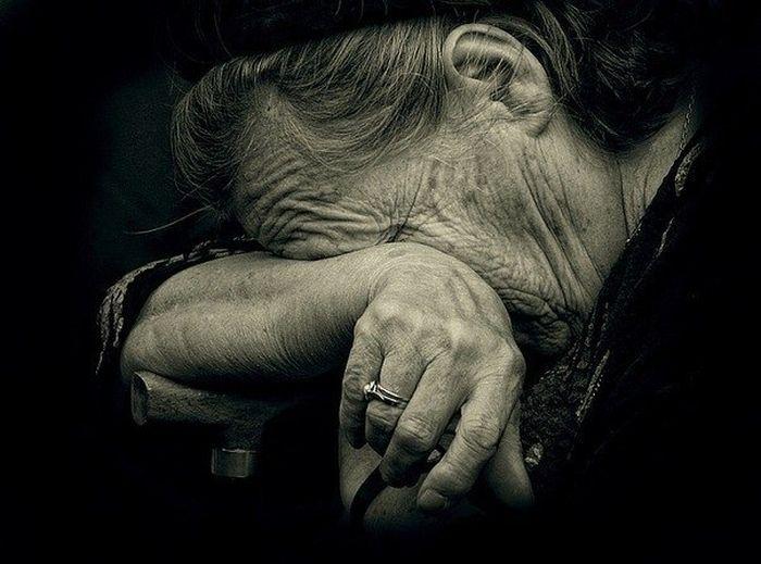 Приснилось, что собственная мама плачет?