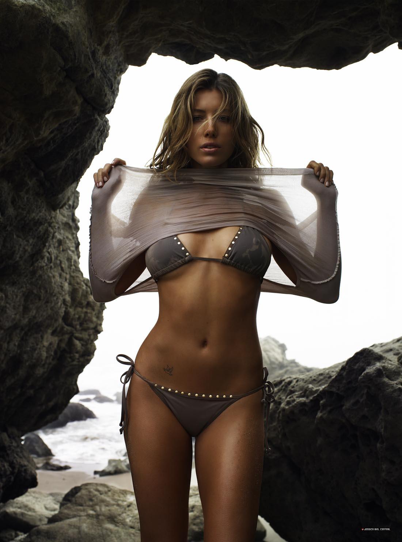 Jessica biel topless picture
