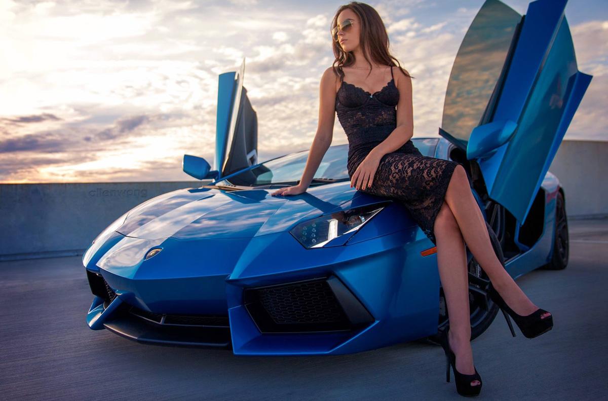 Красивые телочки и авто
