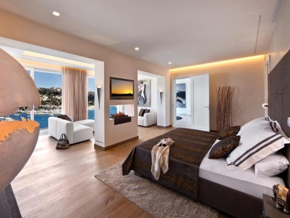 https://cdn.fishki.net/upload/post/201412/08/1345345/beautiful-bedroom-designs-2.jpg