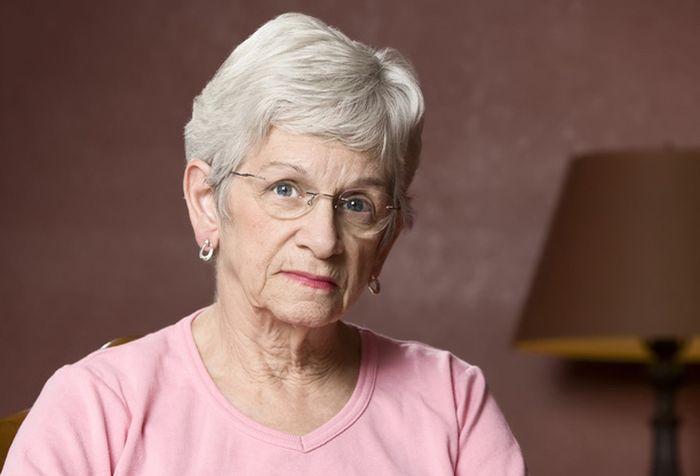 Бабушка познакомится с юнцом в скайпе