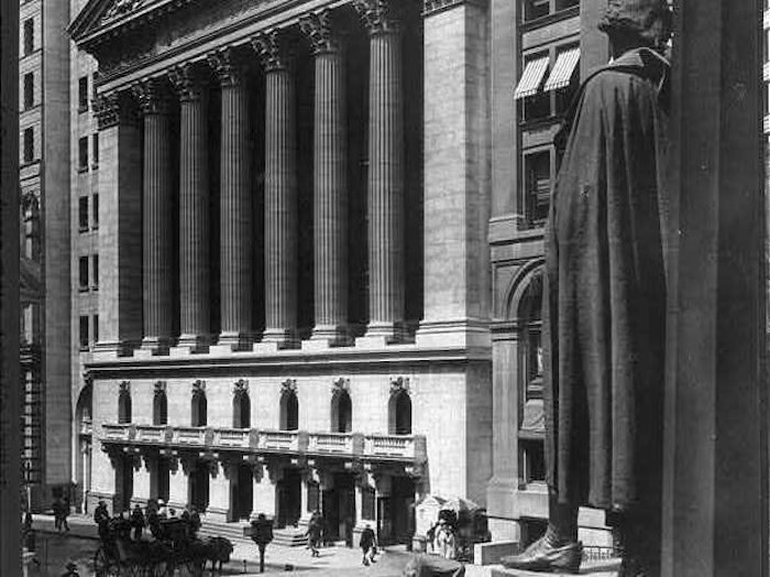 a history of the wall street crash in 1933 How far did the versailles treaty and the wall street crash help to  the wall street played a fundamental role in  in the unstable period of 1930 to 1933,.