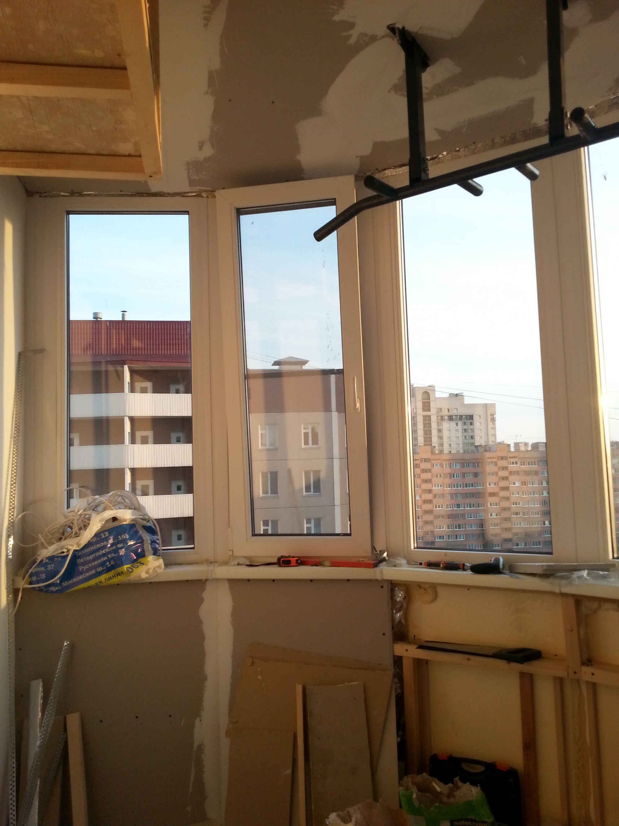 Делаем из балкона комнату.