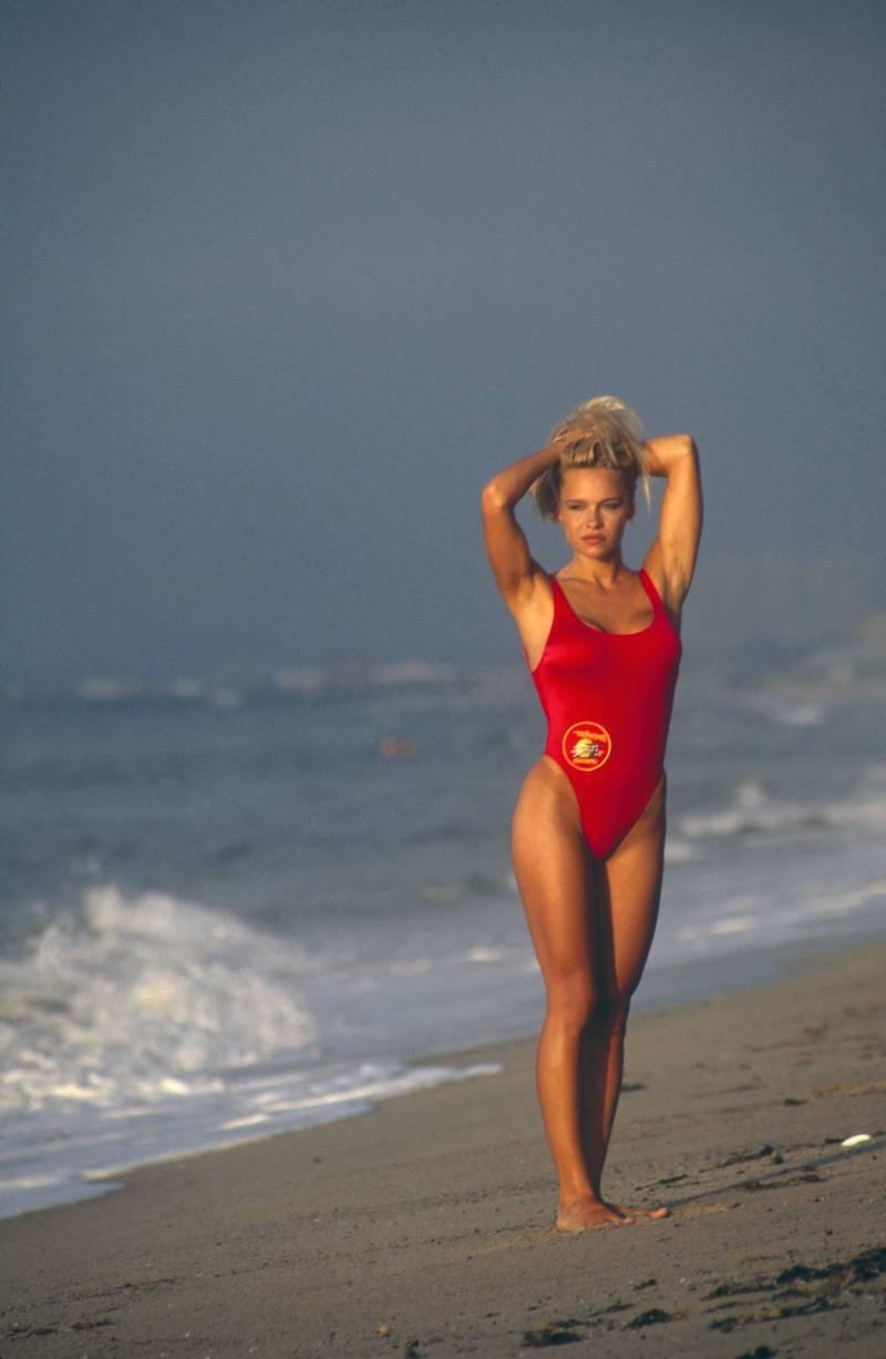 Спасательница на пляже