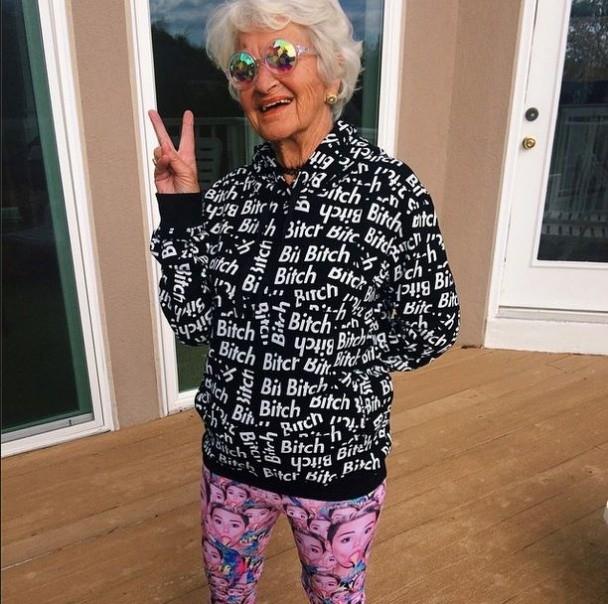 Картинки бабушки крутой
