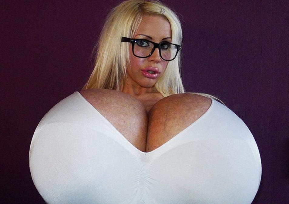 Немка с огромной грудью — img 7